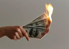 4 złote wyzwaniem dla kupujących dolara. Co dalej z kursem amerykańskiej waluty (USD) w relacji do polskiego złotego (PLN)?