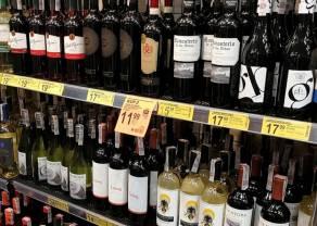 ANALIZA: W czasie pandemii dyskonty i hipermarkety najbardziej odpuściły promowanie alkoholi