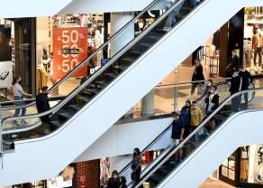 BADANIE: Polacy ruszą na masowe zakupy do galerii handlowych, które odłożyli z powodu ich zamknięcia