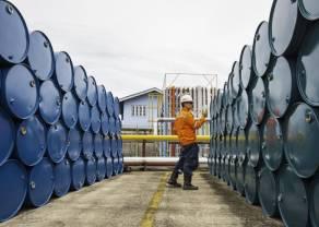 Cena ropy naftowej odrabia mocne straty, osłabione fundamenty rynku surowca [BRENT/WTI]