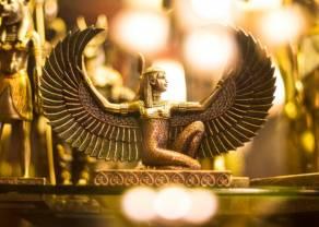 Cena złota wraca do tegorocznych maksimów. Znaczący spadek zapasów ropy naftowej w USA
