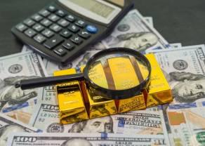 Cena złota wyhamowała mocne zwyżki. Czy kurs złotego kruszcu powróci w najbliższym czasie do wzrostów?