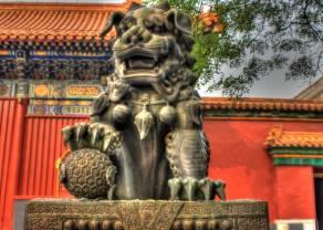 Chiny: zawiłe relacje handlowe i nowa polityka wobec chińskich koncernów