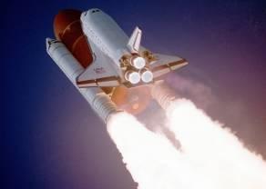 Czy inwestowanie w kosmos ma sens? Analizujemy akcje konkurentów SpaceX - Echo Star, Lockheed Martin i Virgin Galactic!