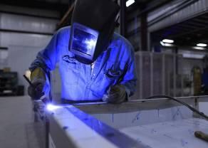 Dane o produkcji przemysłowej pozytywne dla funta
