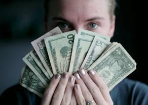 Dlaczego kurs dolara USD/PLN nie spada przed świętami? Czekamy na spadki dolara na forex!
