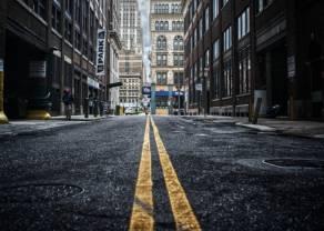"""Dlaczego """"ulica"""" podczas koronakryzysu zarobiła więcej od funduszy hedgingowych? – komentuje analityk TeleTrade Bartłomiej Chomka"""