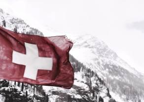 Dolar i frank szwajcarski staniały o 7 groszy. Polski złoty odzyskuje wartość. Amerykański rynek pracy zaskakuje