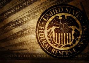Fed pcha kurs dolara w górę