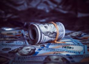 Dolar (USD) odrabia straty. Euro (EUR) powyżej 4,42 złotego. Frank (CHF) przy 4,10 PLN. Funt (GBP) blisko 4,98 zł