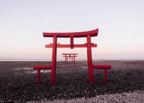 Dolar USD w relacji do japońskiego jena powraca w okolice 105,60. Rynek czeka na dalsze wskazówki