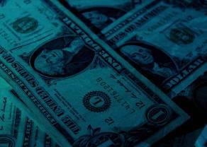 Dolar wraca do gry, kluczowe głosowania w Senacie