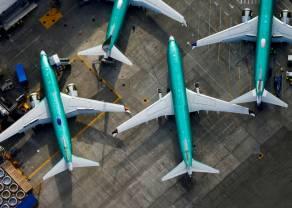 Donald Trump nie pomógł - Boeing wciąż leci w dół