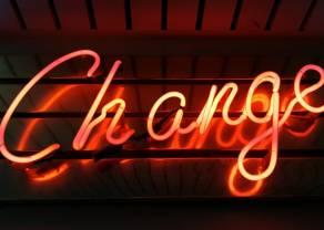 Dynamiczne zmiany kursu funta! Nadzwyczajna decyzja w Anglii. Rynki akcji ciągle w odwrocie