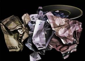 Euro utrzymuje się poniżej 4.50 złotego. Kurs euro do dolara z turbulencjami
