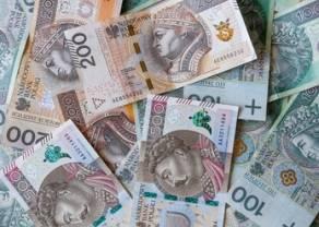 Huśtawka na kursach walutowych złotego(m.in. dolara euro funta franka). Cena ropy w górę mimo ceł!