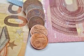 Ile zapłacimy za euro, dolara, franka i funta? Kursy walut 8 czerwca