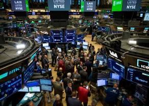 """Indeksy giełdowe w zachodniej Europie w górę po rajdzie w USA i """"gołębim"""" Powellu"""