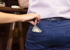 Jak głęboko banki sięgną do naszych kieszeni? Opłaty bankowe w górę
