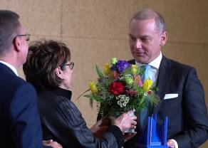 Jakub Papierski, wiceprezes Zarządu PKO Banku Polskiego uhonorowany nagrodą im. Lesława A. Pagi