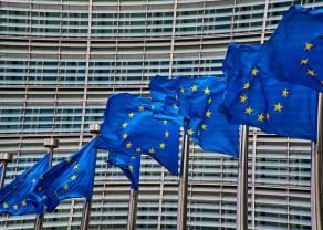 Juncker straszy Wielką Brytanię twardym Brexitem. Kurs funta spada