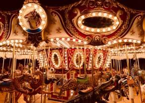 Karuzela! Kurs euro przy 4,55 złotego. Frank powyżej 4,30 zł. Funt po 5,23 PLN. Komentarz walutowy –  optymizm przed sezonem wyników