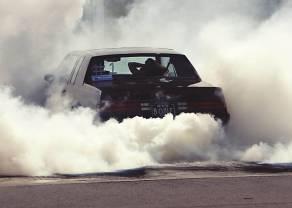 Samochody spalinowe tylko w muzeach? Jak wpłynie to na rynki?