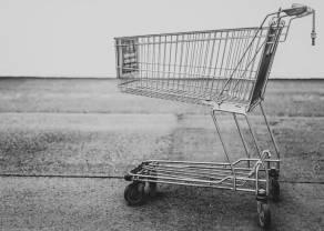 Koronawirus zmienia finanse Polaków. Kursy walut ciążą kredytobiorcom. Zakupy przenoszą się do sieci