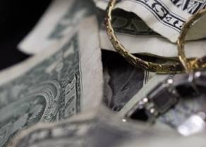 Kurs dolara broni 3.76. Możliwe scenariusze dla złotego