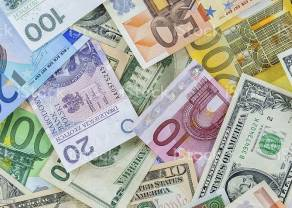 Kurs dolara do złotego (USD/PLN) lekko zniżkuje. Ile złotych zapłacimy za euro, franka i funta w czwartek po południu?