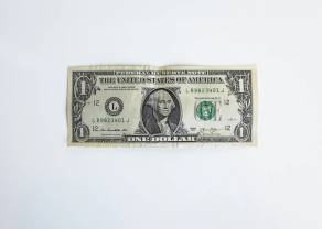 """Kurs dolara łatwo nie zmieni kierunku. Co z """"odmrażaniem"""" gospodarki po koronawirusie? Sytuacja na rynkach"""