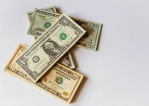 Kurs dolara mocno słabnie względem euro. USD/PLN już poniżej 4 złotych. Stopy procentowe w dół!
