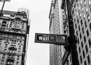 Kurs dolara mocno w dół. Rynek ignoruje najgorsze dane w historii. Notowania giełdowe