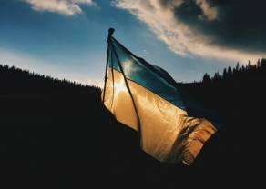 Kurs dolara powyżej 4 złotych. USD karmi się słabością pozostałych walut. Czy grozi nam odpływ pracowników z Ukrainy?