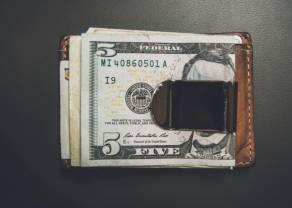 Kurs dolara traci względem wszystkich walut. Zmiana podejścia do inflacji