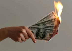 Kurs dolara USD słabszy niż funt i euro. Dane z USA zawiodły. Polski budżet pod znakiem zapytania