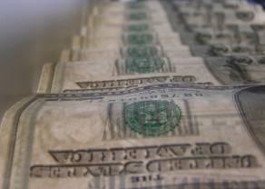 Kurs dolara (USD/PLN) pnie się górę. Ile zapłacimy za euro, franka i funta? Kursy walut na rynku Forex 19 maja