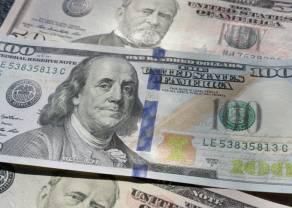 Kurs dolara USD/PLN poszedł w górę. Zbliżamy się do 3,85 złotego. Europejski Bank Centralny czeka. Co z wiekiem emerytalnym?