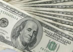Kurs dolara USD/PLN waha się w widełkach 3,83-3,84. Funt spada najmocniej. Polska waluta pozbyła się wczorajszych zysków