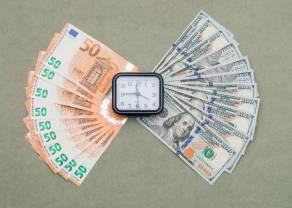 Kurs dolara (USDPLN) zakończyłsesję poniżej3,80, a para EURPLN kończy handel blisko4,55 - notowania walutowe