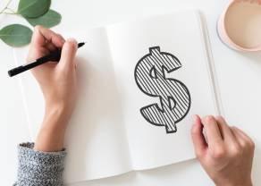 Kurs dolara utrzymuje się powyżej 3.76. Kiedy kupować dolara?