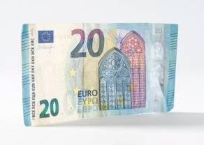 Kurs euro blisko 4,48 złotego. Dolar po 3,91 PLN. Funt przy 4,91 zł. Polska waluta nieco mocniejsza, rynek czeka na wyniki negocjacji unijnych