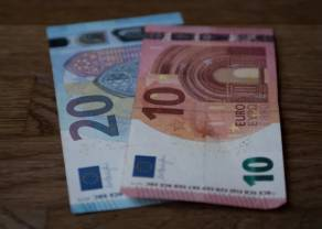 Kurs euro do dolara (EUR/USD) ponad poziomem 1,1050. Funt zwyżkuje w stosunku do amerykańskiej waluty