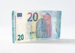 Kurs euro do dolara (EUR/USD) przy 1,1020. Waluta amerykańska do jena (USD/JPY) blisko 109,00. Dzień na rynku
