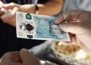Kurs euro do dolara hamuje spadki. Delikatna korekta na kursie euro do funta. Kryzys polityczny na wyspach