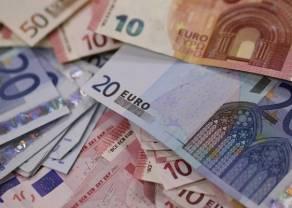 Kurs euro do złotego znów zyskuje, podobnie jak kursy dolara i franka. Kurs funta powyżej 5 zł
