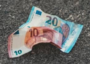 Kurs euro (EUR) do dolara (USD) w dół. Niższe otwarcie w Europie, oczy rynku zwrócone na nowe plany fiskalne Sunaka