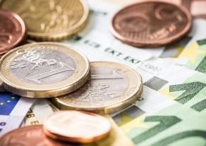 Kurs euro powyżej 4,48 zł. Za franka zapłacimy ponad 4,21 zł. Korona czeska zyskuje, dolar traci względem polskiego złotego