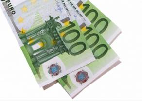 Kurs euro EUR/PLN przebił poziom 4,56 złotego. Spadek dolara USD względem jena. Dzień na rynku