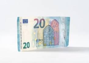 Kurs euro EUR/PLN przy 4,46 złotego. Koronawirus rozprzestrzenia się coraz szybciej